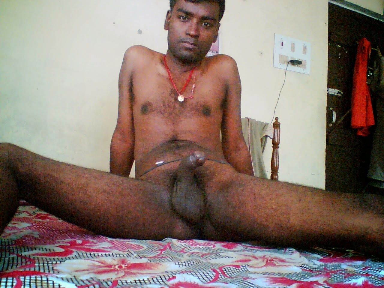 Who wants to fuck me !! - Indian Gay Site