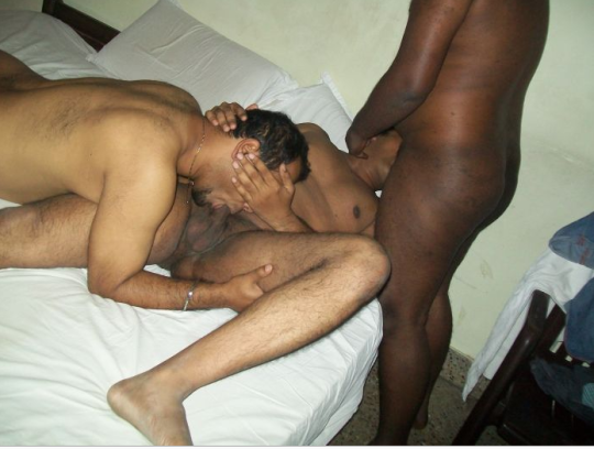 Kesaria fucked me on Indian gay threesome video of horny