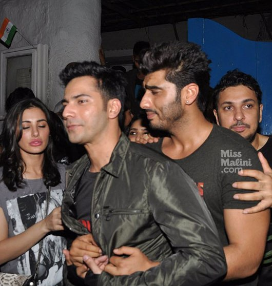 Varun dhawan gay Pornos Raser Teenie-Sex