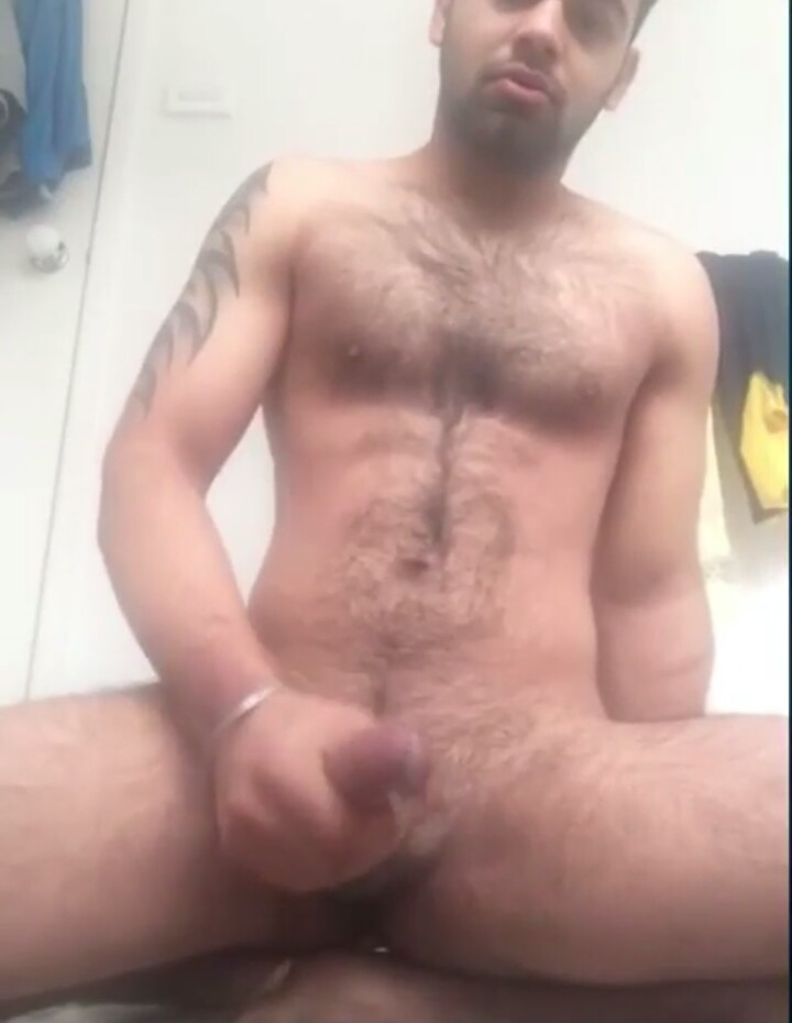 Desi gay video of a horny cub cumming hard