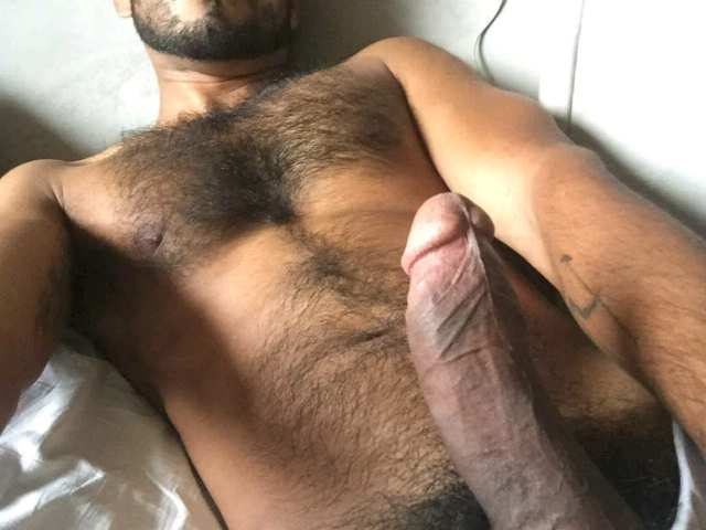 Indian Gay Porn: Sexy naked pics of a horny desi hunk showing off his hot hairy body