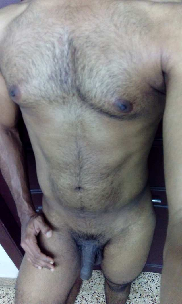 Indian Gay Porn: Sexy Tamil hunk flexing his muscular body while being  naked: 1