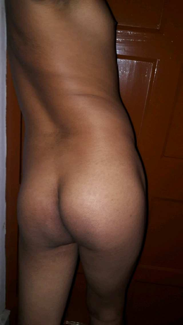 Indian Gay Porn: Sexy bottom from Kolkata showing off his big slutty ass