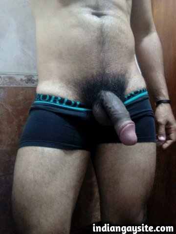 Indian Gay Porn: Sexy desi hunk showing off his big and hard uncut dick