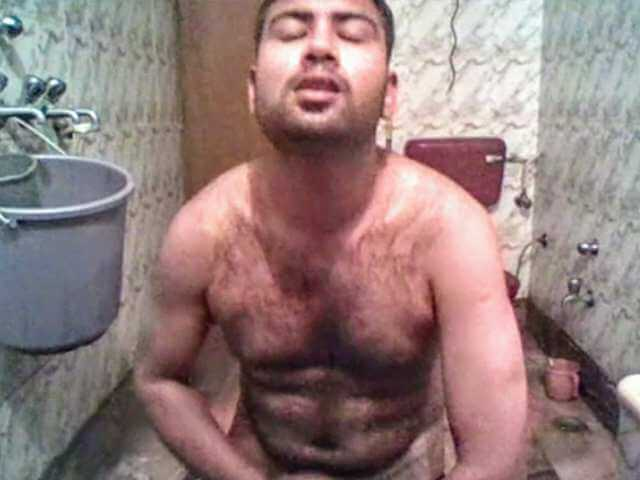 Indian gay video of a sexy bear jerking of with his buddy and cumming