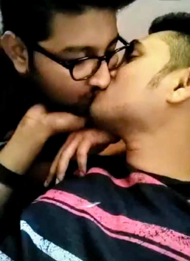 Indian gay blowjob video of a sexy desi couple kissing and sucking dick