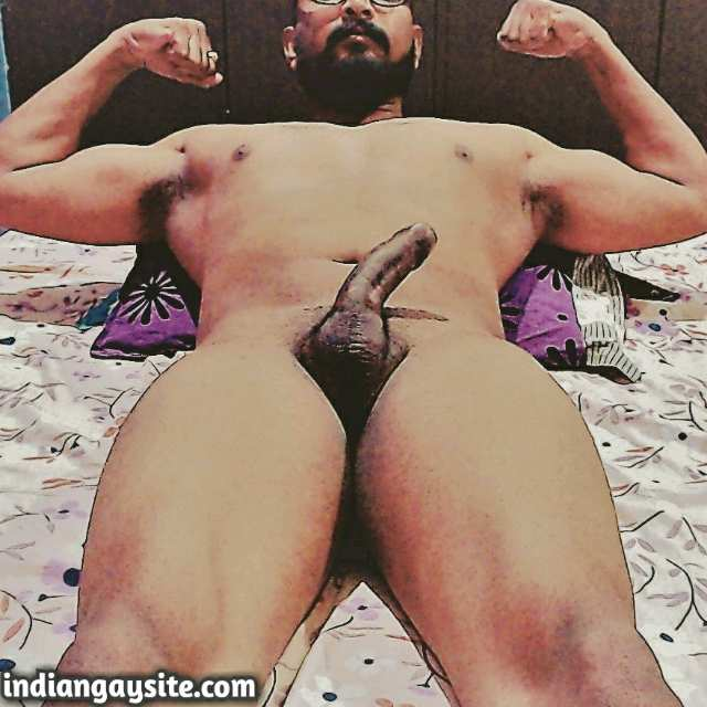 Indian Gay Porn: Sexy desi hunk flexing naked and showing off big dick and ass