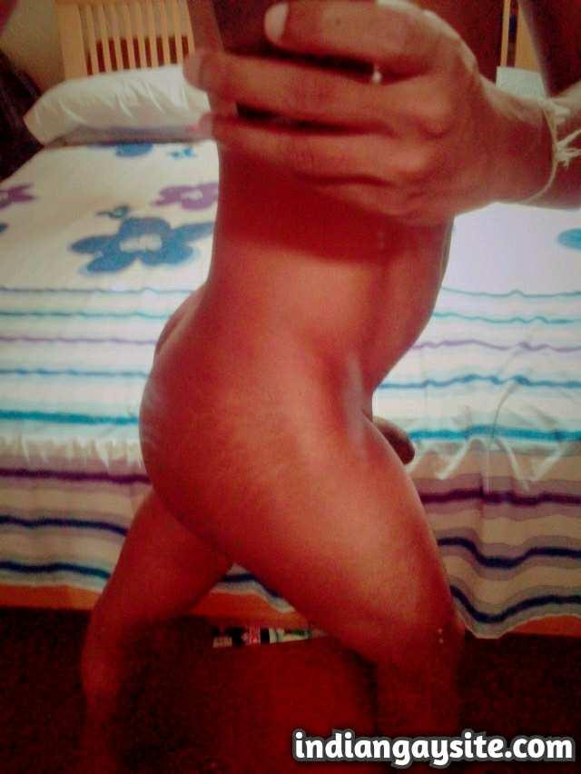 Indian Gay Porn: Sexy Sri Lankan desi guy showing off his hot body