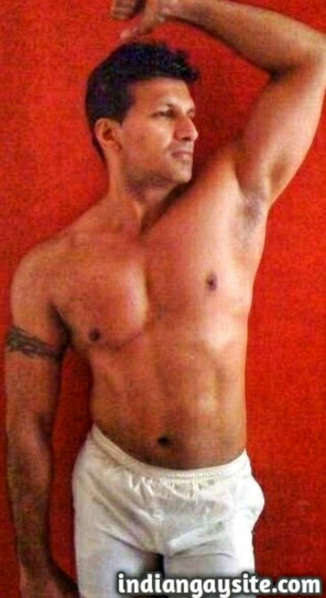 Indian Gay Porn: Sexy and muscular army hunk exposing his hot body and flexing in undies