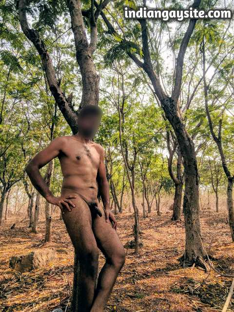Indian Gay Porn: Hot and sexy desi hunk exposing his naked body in a forest