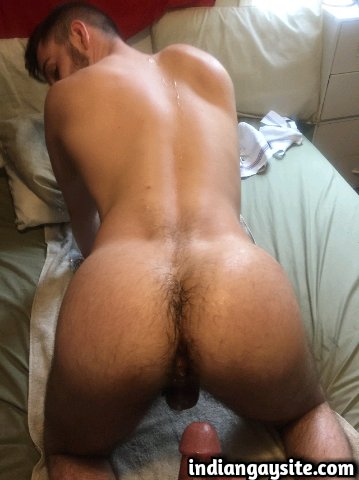 Indian Gay Porn: Sexy desi twinky bottom getting ready for a deep ass pounding