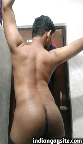 Indian Gay Porn: Sexy desi twink exposing his hot bubble butt before a bath
