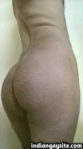 Indian Gay Porn: Sexy desi bottom showing off his hot and smooth bubble butt