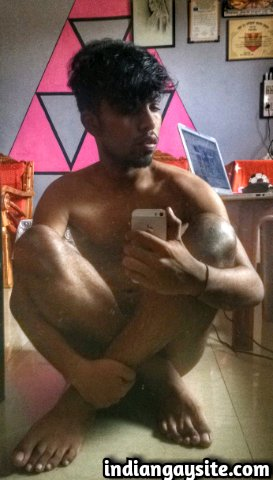 Indian Gay Porn: Sexy desi boy exposing his hot body in slutty and glamorous poses