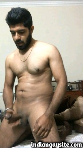 Indian Gay Porn: Hot and sexy desi hunk jerking off naked and cumming in his hands just for you