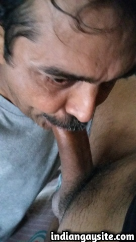 Indian Gay Porn: Sexy desi hunk enjoying a good time with a stranger daddy