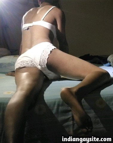 Indian Gay Porn: Horny and slutty twinky desi crossdresser from Gurgaon in sister's panties