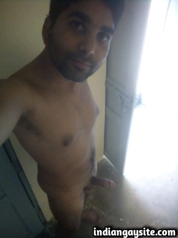 Indian Gay Porn: Sexy Paki hunk showing off his big circumcised dick and fit naked body