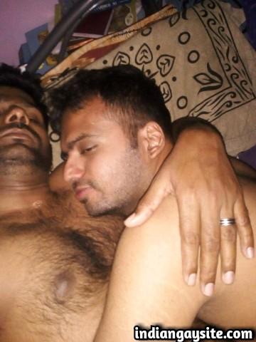 Indian Gay Porn: Sexy desi cock sucker blowing a big cock on the Diwali night