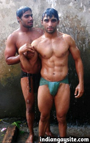 Indian Gay Sex Story: 8 different dicks in 24 hours: 3