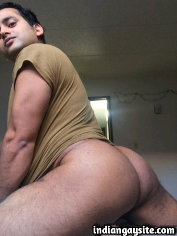 Indian Gay Porn: Sexy desi hunk with a cute face exposing his super hot body and bubbly butt: 2