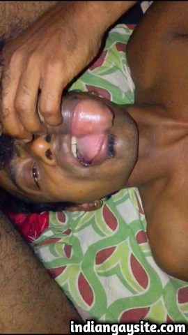 Indian gay blowjob video of a slutty cock sucker swallowing a huge uncut dick: 2