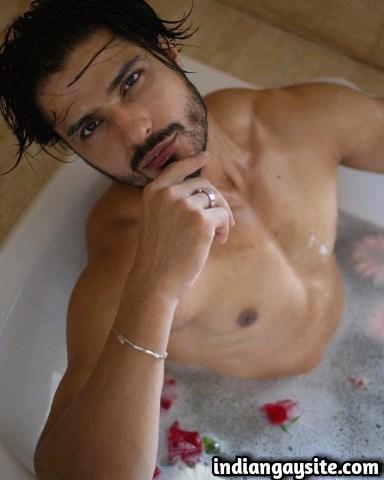 Bhairavgarh me 2 chacha ke saath ki gay sex kahani