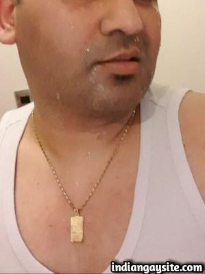 Desi gay sex pics of horny desi guy with Paki dad
