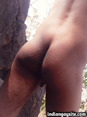 Naked desi hunk exposing big dick outdoor