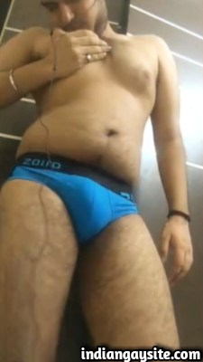 Desi gay video of horny hunk fingering hairy ass
