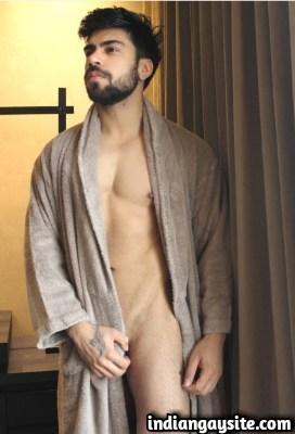 Gay sex erotica of horny man seducing homeowner: 1