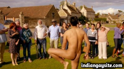 Naked desi actor shows bare butt in outdoor scene