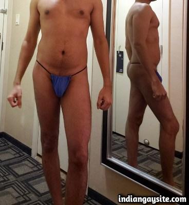 Naked Desi Hunk Exposing Bubbly Butt & Big Dick