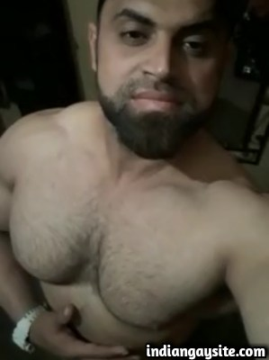 Pakistani Gay Video of Muscular Hunk Playing with Nipples