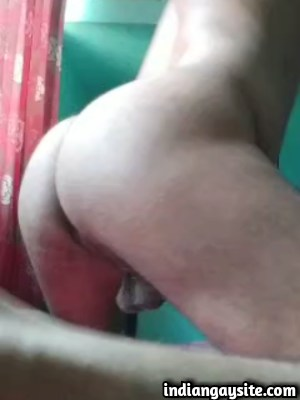 Desi Gay Video of a Twinky Bottom's Ass Play