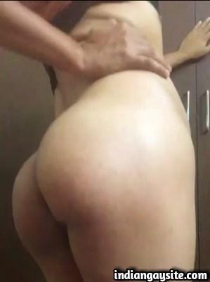 Indian Gay Video of a Slutty Bottom Exposing Ass