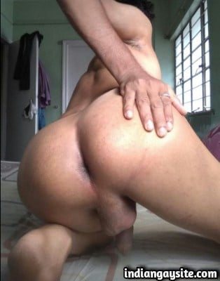 Naked Desi Bottom Shows his Hot & Bubbly Ass