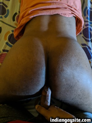 Indian Gay Sex Pics of a Friendly Bareback Fuck
