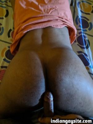 Indian Gay Sex Pics of a Friendly Bareback Fuck