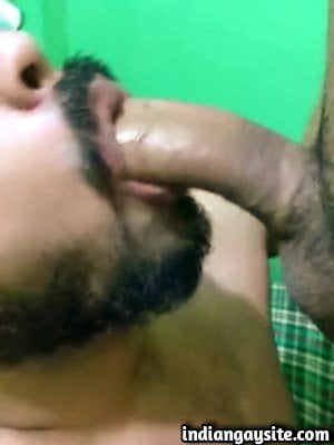 Indian Gay Blowjob Video of Slutty Guy Drinking Piss