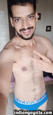 Sexy Indian Hunk shows Horny Naked Body & Big Dick
