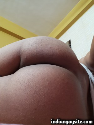 Gay Bubble Butt of a Horny & Wild Twinky Bottom