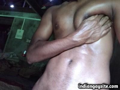Naked Indian Hunk from Mumbai Exposing Big Dick