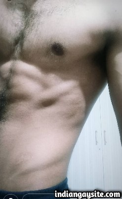 Indian Gay Hunk exposes Sexy Muscular Chest