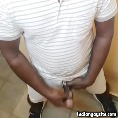 Desi Gay Video of Horny Guy Jerking Hard