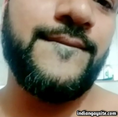 Indian Gay Porn Video of Bearded Hunk Cumming