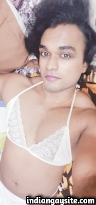 Indian Gay Porn Pics of Slutty Mallu CD in Bikini