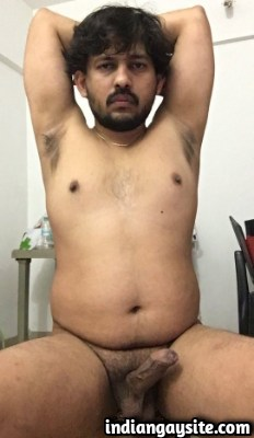 Indian Gay Porn Pics of Horny & Naked Mature Man