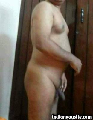Desi Gay Porn Pics of Slutty Daddy Sucking Thick Cock