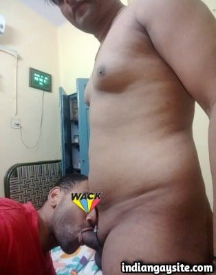 Indian Gay Sex Pics of Hot Hunk Sucked & Fucked